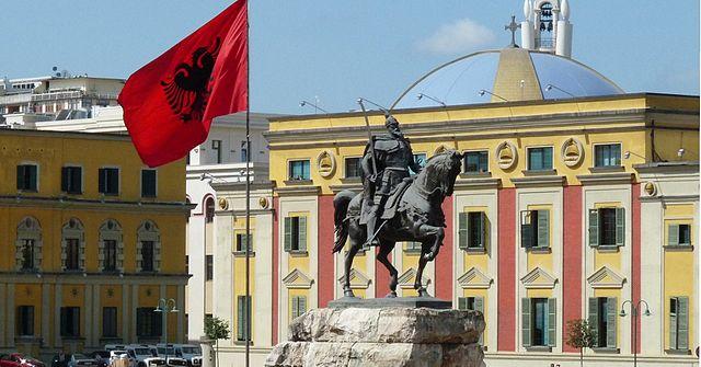Statue of Skanderbeg