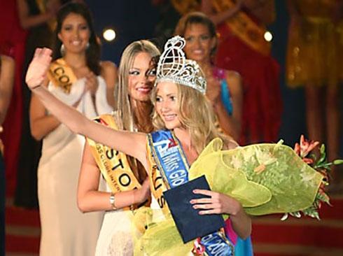 Miss Globe Winner 2004